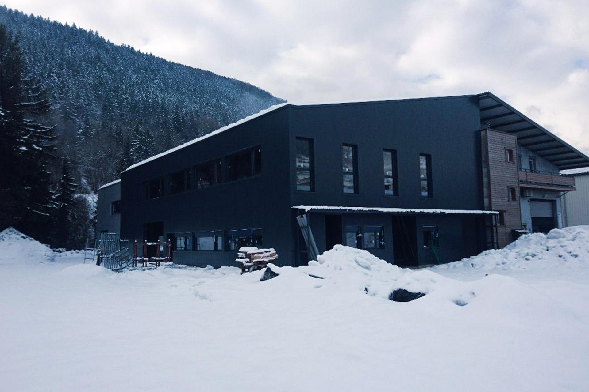 bâtiment industriel aluminium technal - vitrerie savoyarde