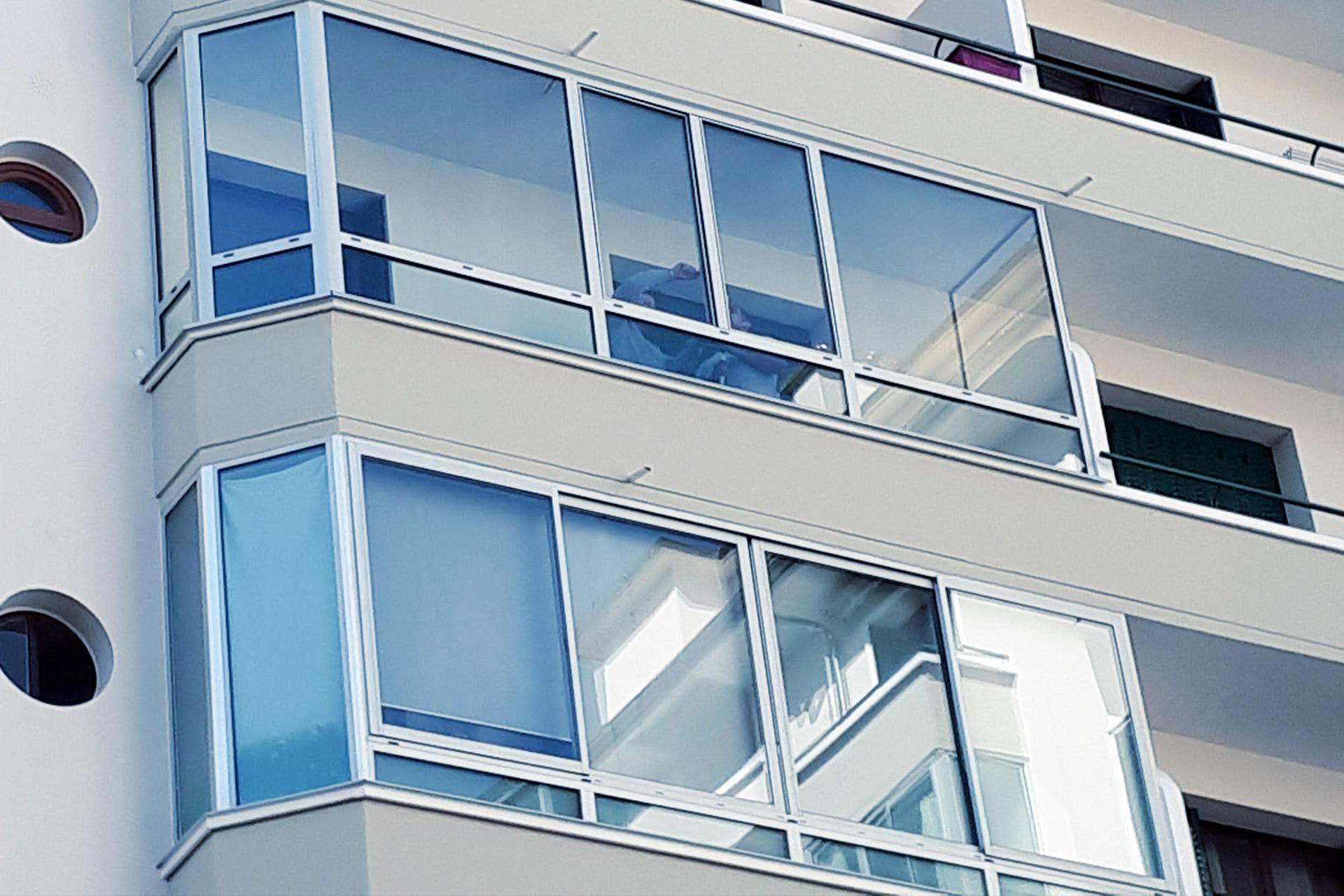 menuiserie balcon - vitrerie savoyarde