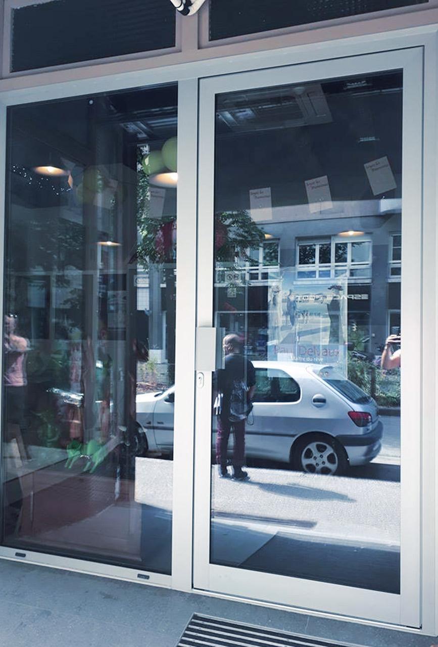 porte-magasin-annecy-haute-savoie - vitrerie savoyarde