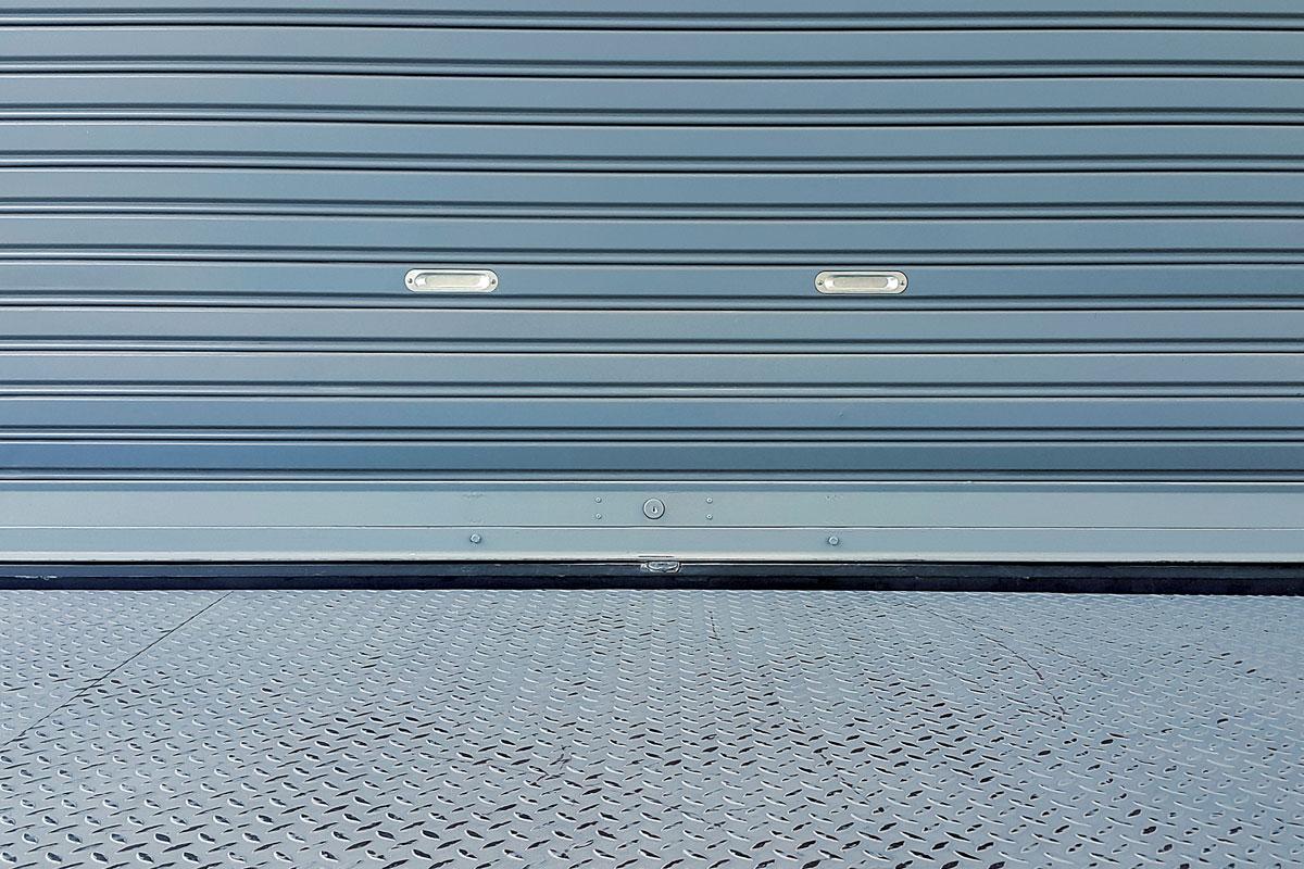 rideau métallique pour commerce - vitrerie savoyarde